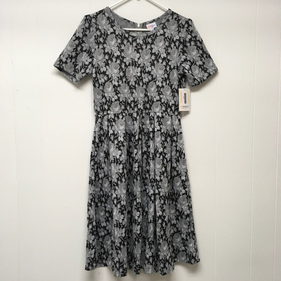 LuLaRoe Dresses & Skirts - LuLaRoe Amelia Dress Large Black Gray Floral Print